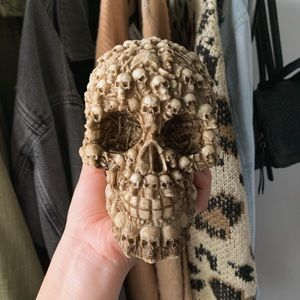 skull (home decor)